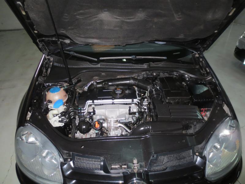 VW GOLF 2.0 Tdi 140 CV (NEGRO) - Foto 8