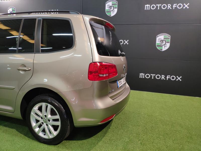 VW TOURÁN 1.6 TDI 105CV (GRIS) - Foto 2