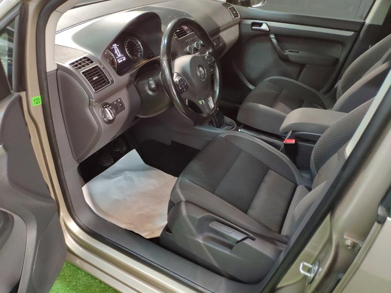 VW TOURÁN 1.6 TDI 105CV (GRIS) - Foto 3