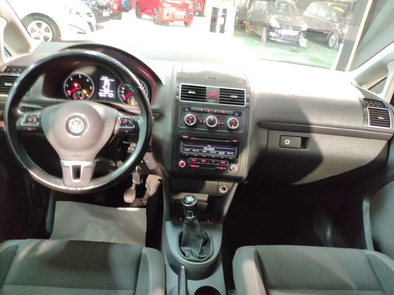 VW TOURÁN 1.6 TDI 105CV (GRIS) - Foto 5