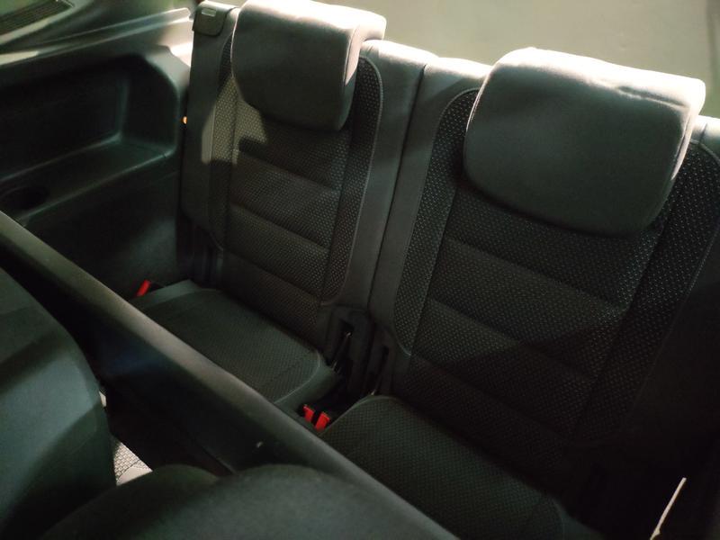 VW TOURÁN 1.6 TDI 105CV (GRIS) - Foto 6
