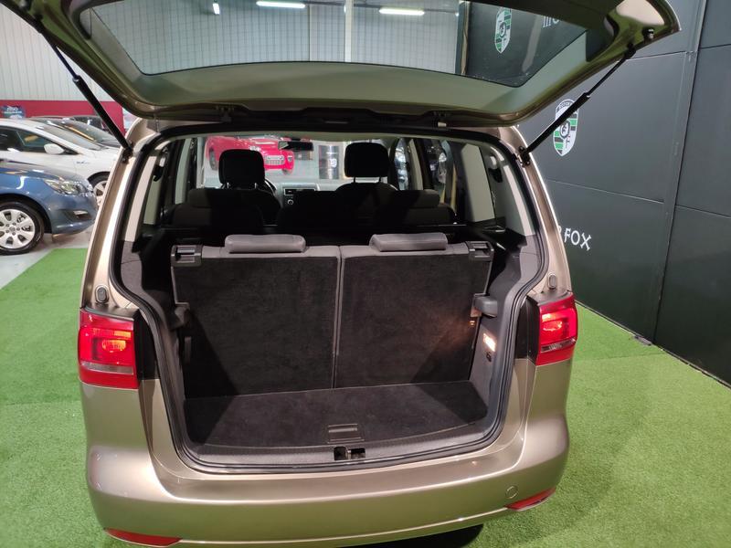 VW TOURÁN 1.6 TDI 105CV (GRIS) - Foto 7