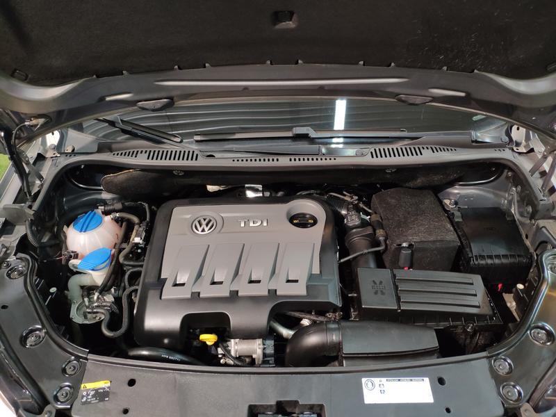 VW TOURÁN 1.6 TDI 105CV (GRIS) - Foto 8