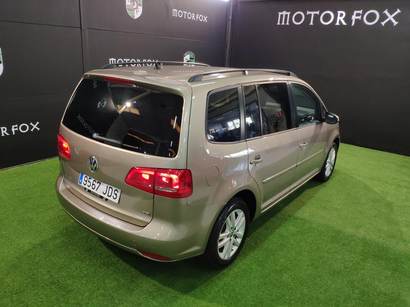 VW TOURÁN 1.6 TDI 105CV (GRIS) - Foto 10