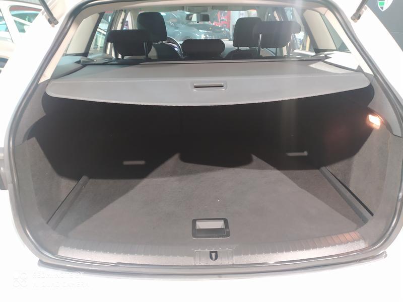 SEAT LEON 1.6 TDI 105 CV ST (BLANCO) - Foto 6